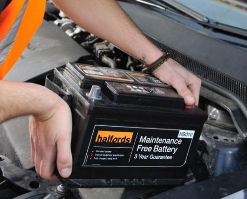 Entenda como escolher a bateria para nobreak!