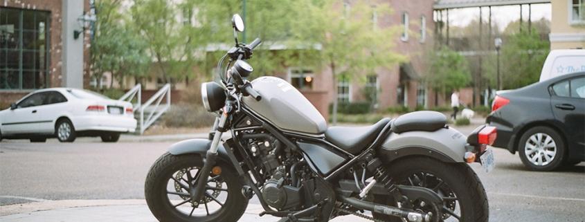 Qual bateria de moto escolher e onde comprar?